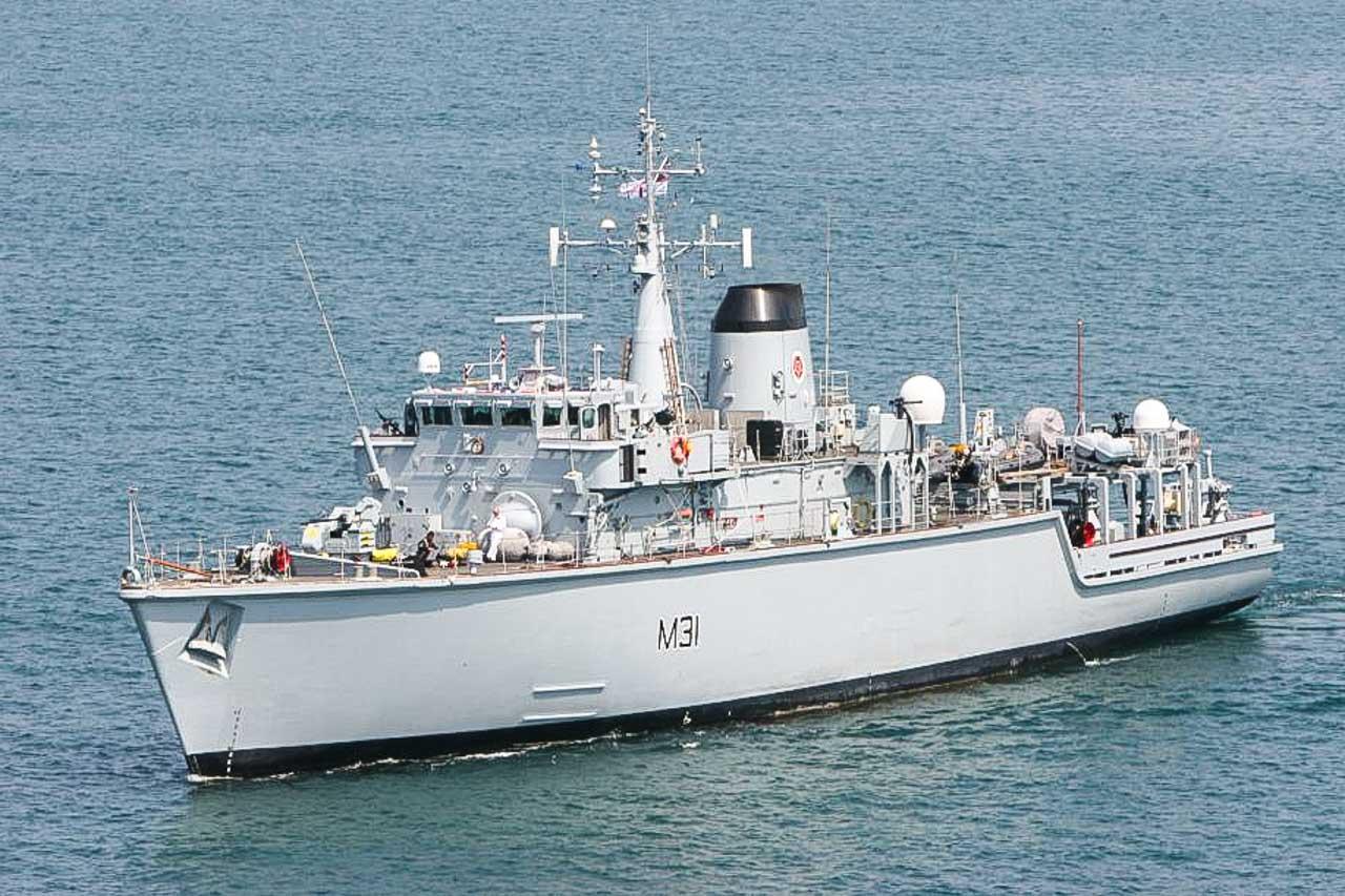 HMS CATTISTOCK M31 Minehunter