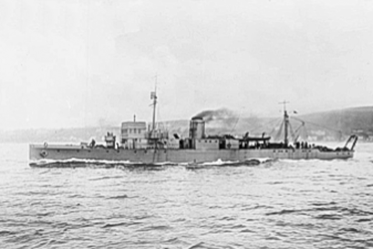 The 1st HMS CATTISTOCK, a WW1 Minesweeper