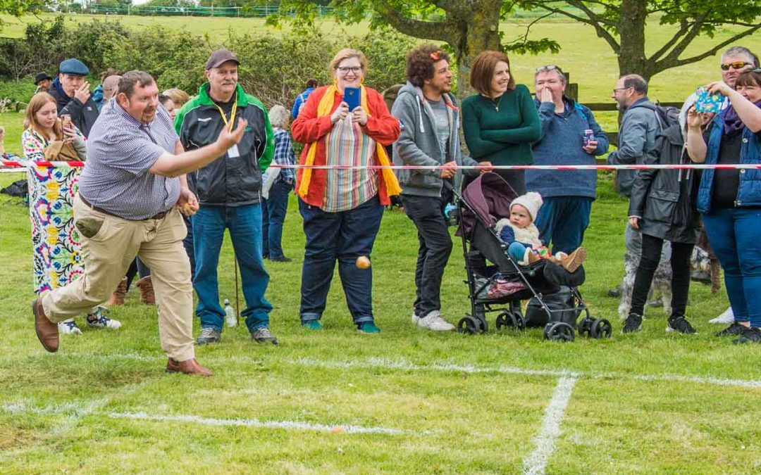 Knob Throwing returns to Cattistock!  – It's official!
