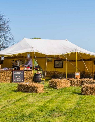 Dorset Knob Throwing 2019: The pop-up Fox & Hounds, up and ready to go