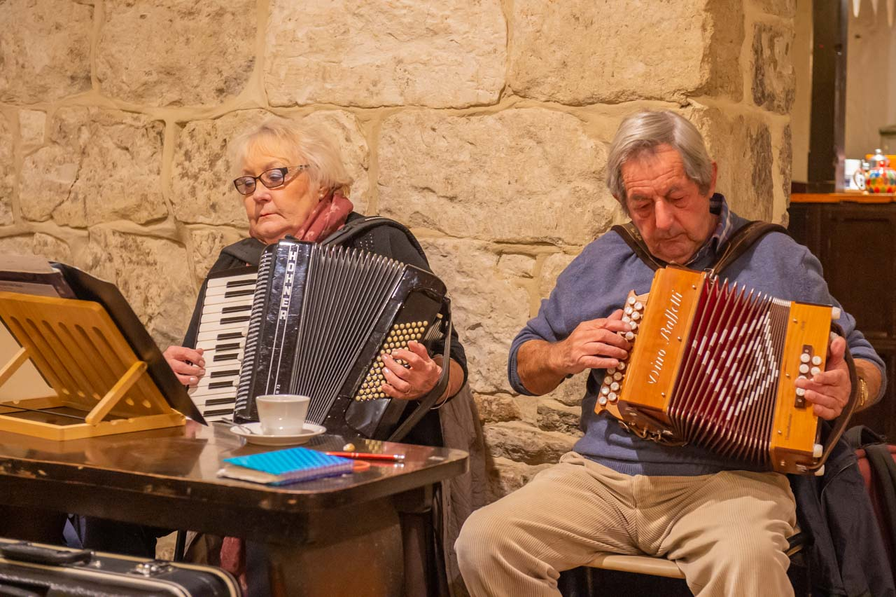 Jeanette on Accordian and Steve on Melodeon