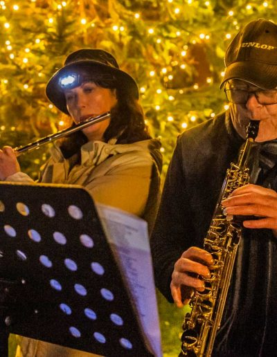 Ruth and Steve supplied the excellent accompaniment to the Carol singing