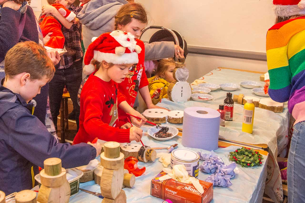 Liz has plenty of youngsters interested in painting Snowmen