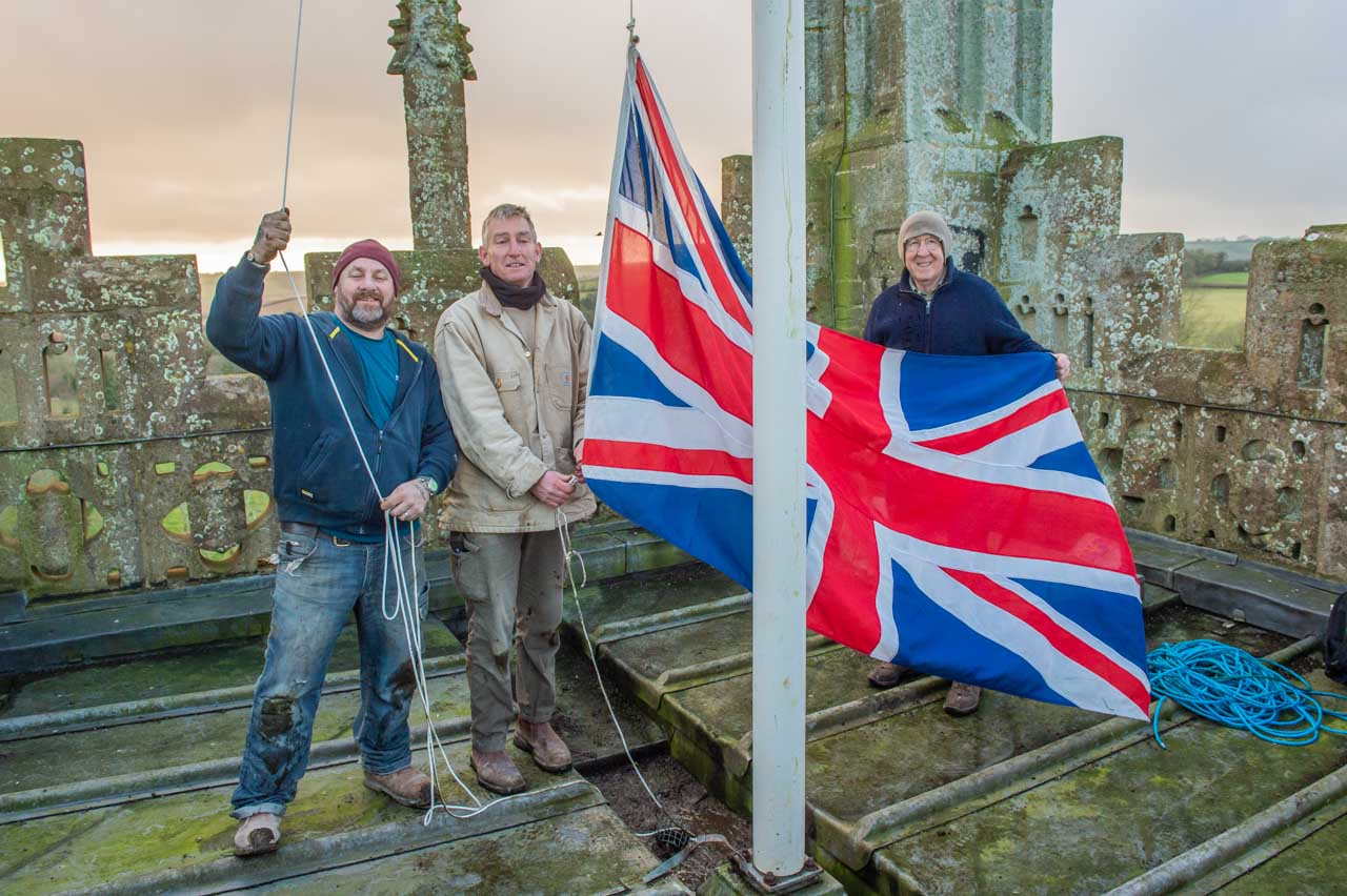 Job done and the flagpole about to be put back into action