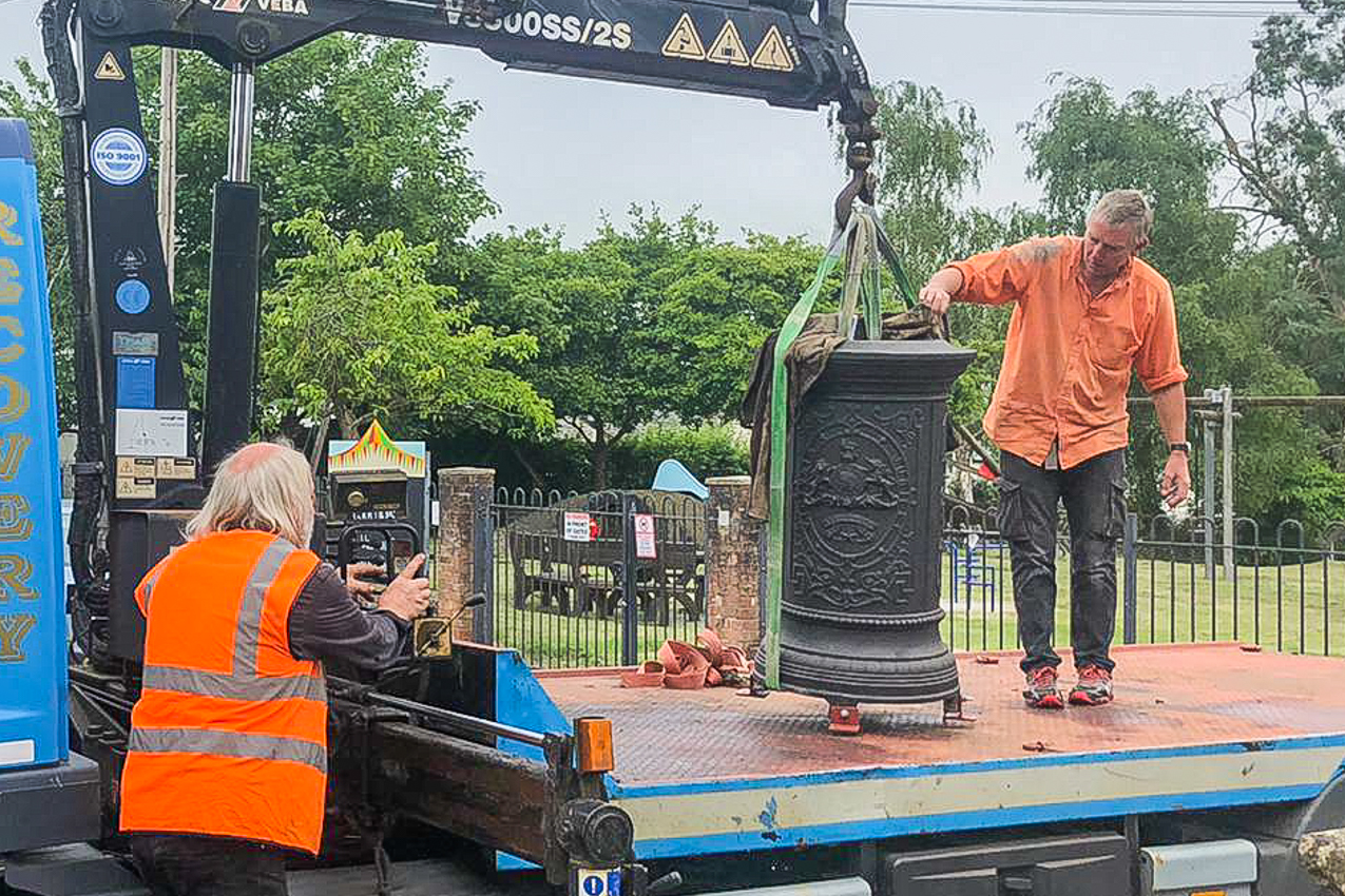 The base completes the final part of its journey, outside the Savill Hall