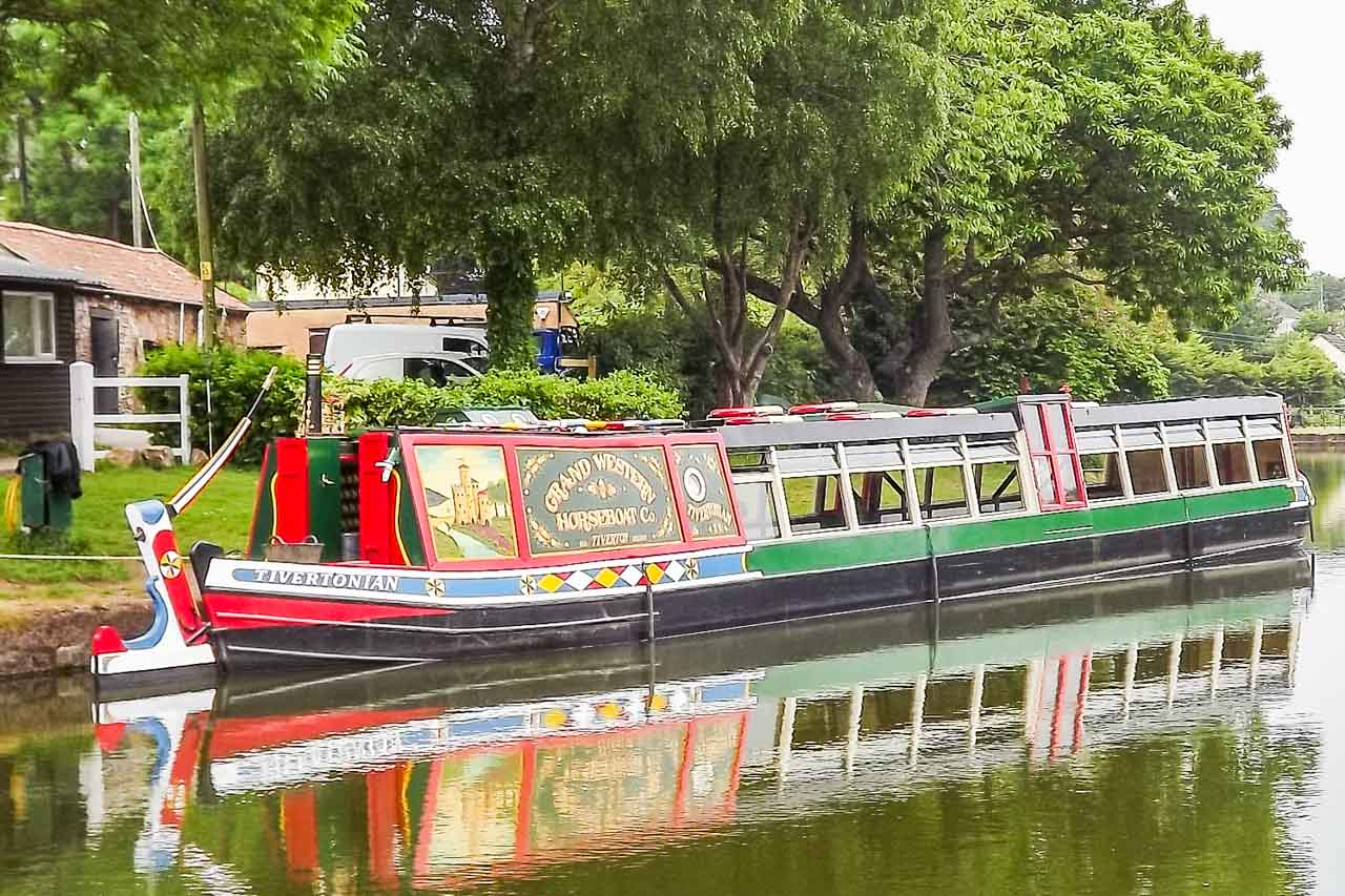Herbie's photos: a Longboat photographed during an Ivy Club trip to the the Grand Union canal, Cheshire
