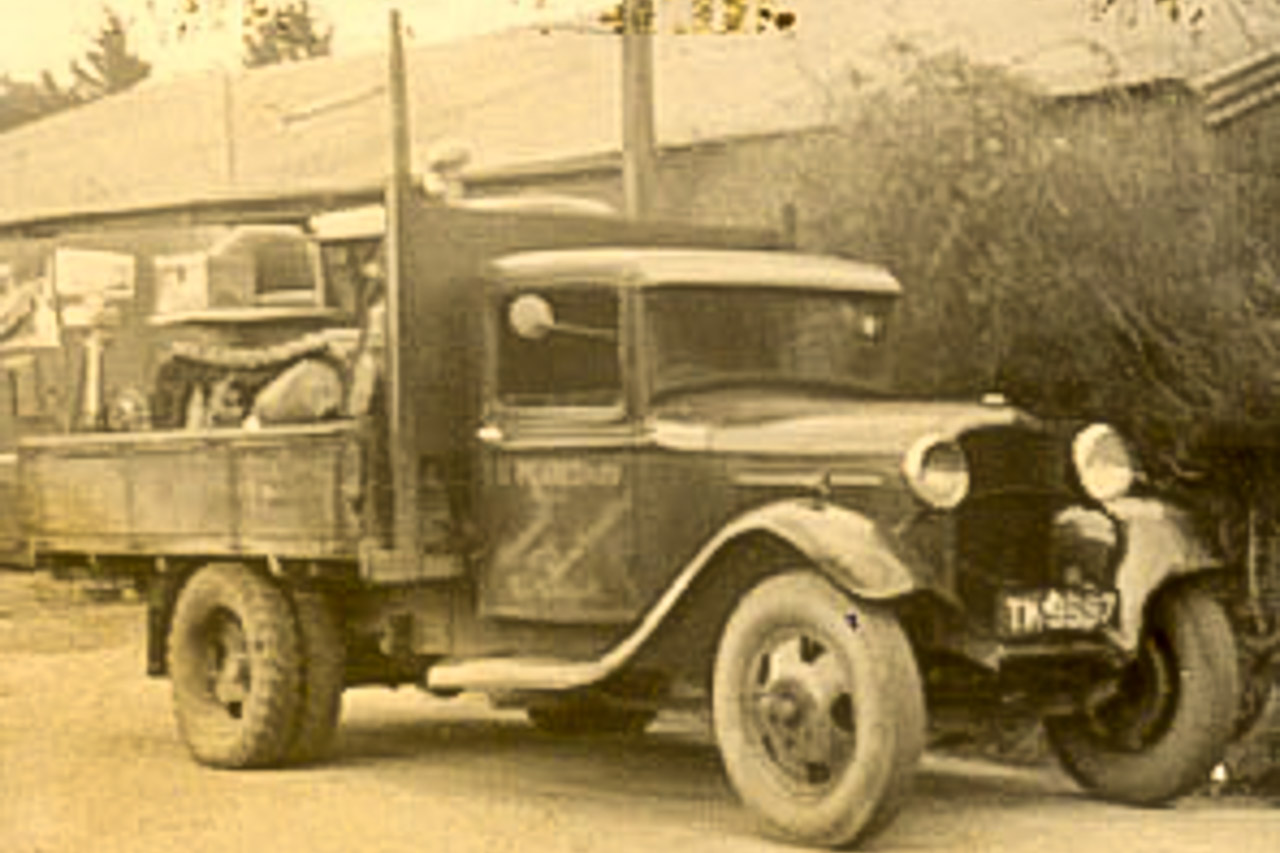 1931 Ford Lorry and tractor