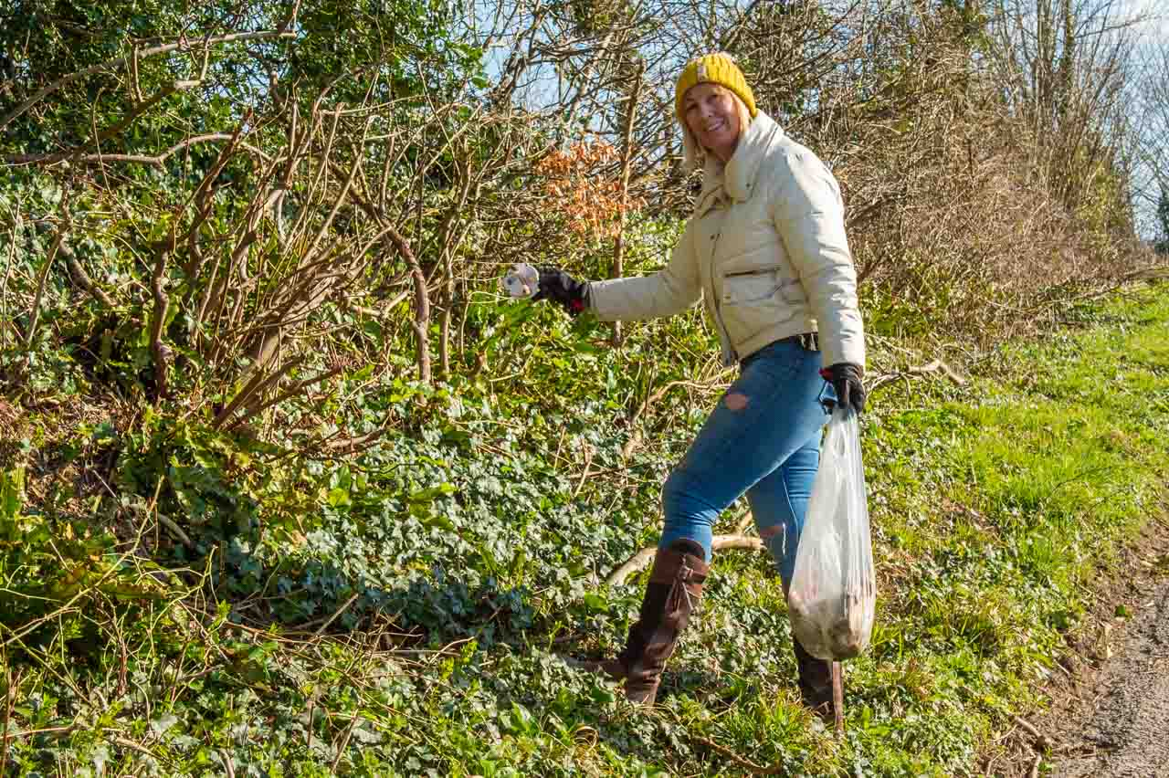 Having finished their patch, Cheryl and James help out at the bottom of Staggs Folly