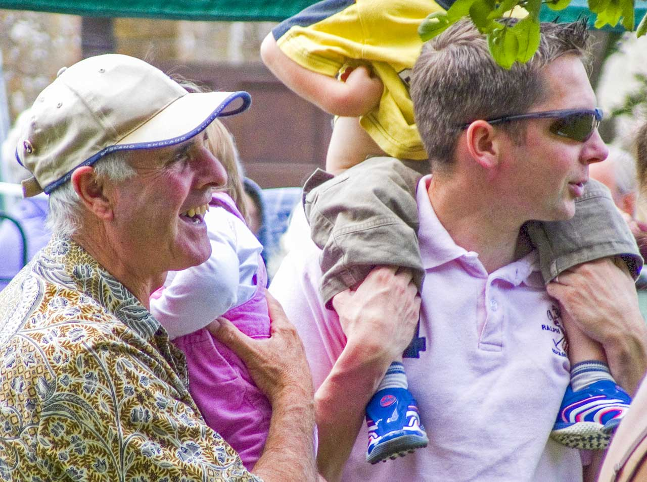 Keith sharing an amusing moment with his son Shaun, during Cattistock's 2007 Fete