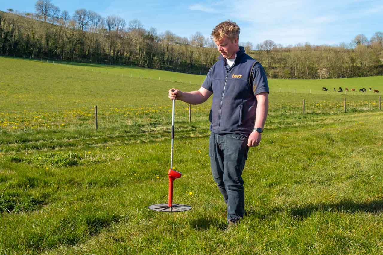 Integrated Nutrient Management: Measuring the resulting the growth of the grass